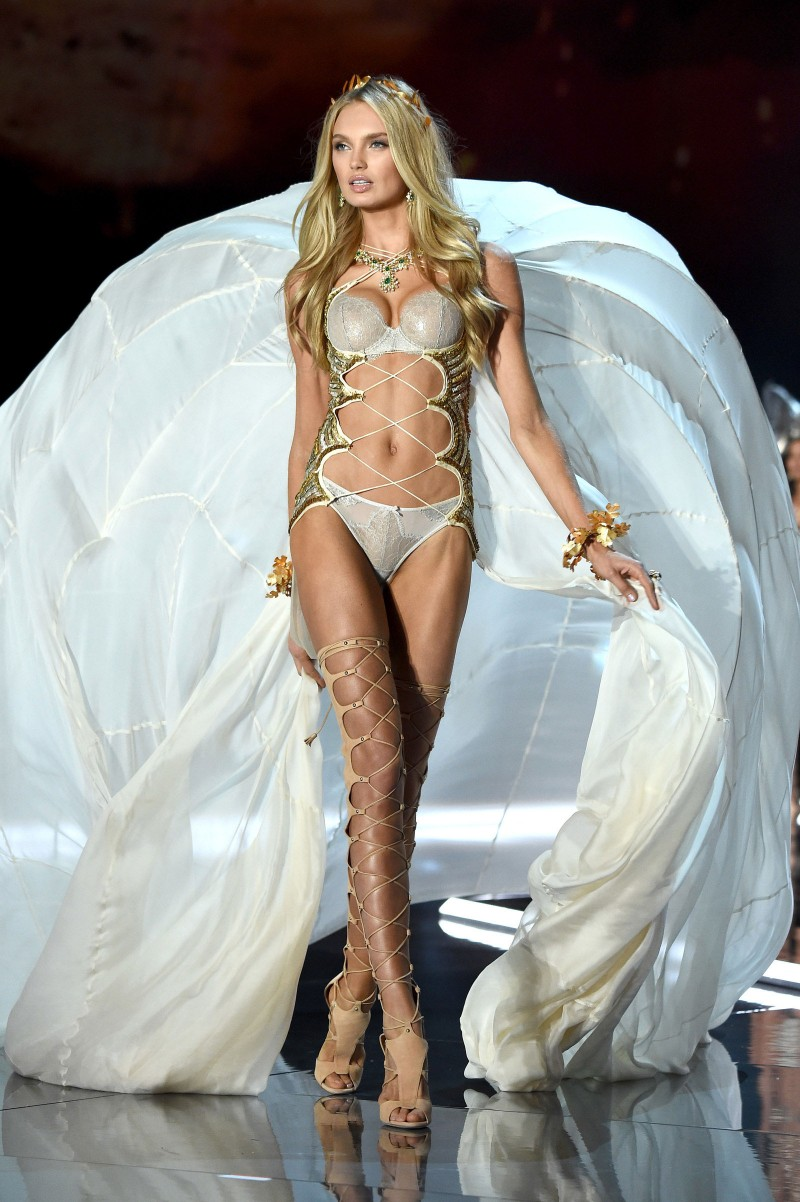 Victoria's Secret Fashion Show Photos.<br />#VictoriaSecret <br />#Models2017<br />Romee Strijd (263)