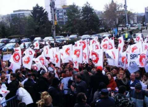 141839protest-sanitas-1.jpg