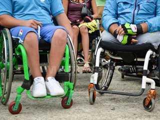 persoane-dizabilitati-andreea-alexandru.jpg