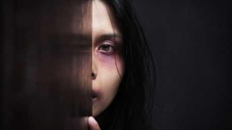 przemoc-wobec-kobiet-i-dziewczynek_93320800.jpg